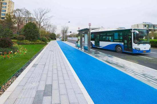 临港二期非机动车道改造实施 5条道路全长约18.8公里