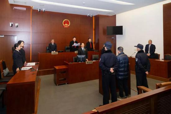 上海机场集团原董事长吴建融案一审宣判 受贿2000余万