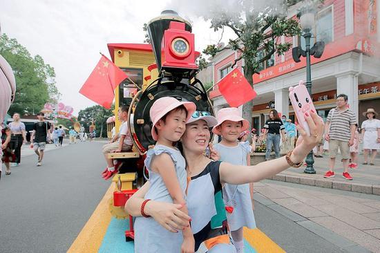 国庆超长假期即将来临 上海A级景区相继调整最大接待量