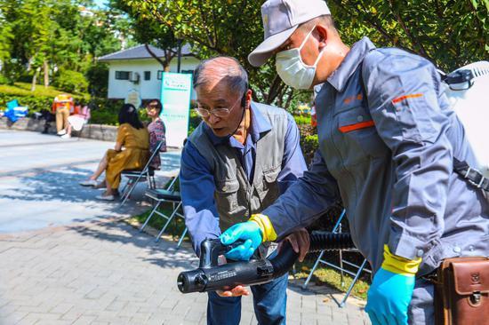 """上海全面组织""""迎进博""""爱国卫生运动。本文图片均为上海市爱卫办供图"""