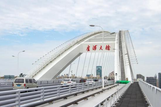 卢浦大桥钢结构涂装施工基本结束 开启美观模式迎世博
