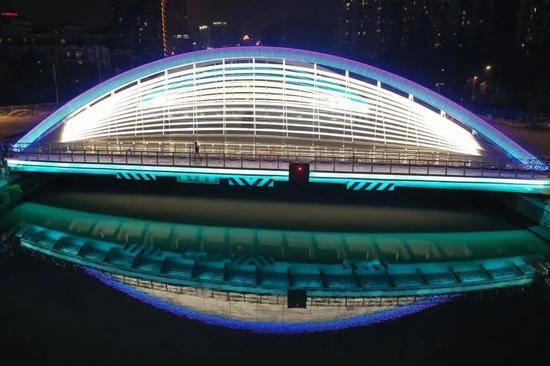 昌平路桥首次亮灯 一起欣赏苏河之眼的明眸