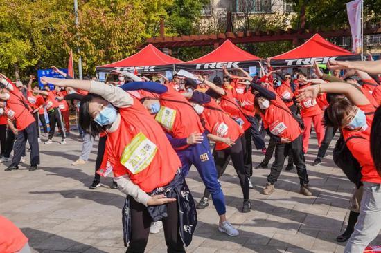 上海市第三届市民运动会发现上海之美城市定向赛顺利举办
