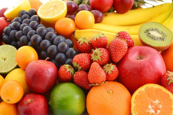 上海节前果市购销两旺:精品水果受宠 草莓年后预计降价