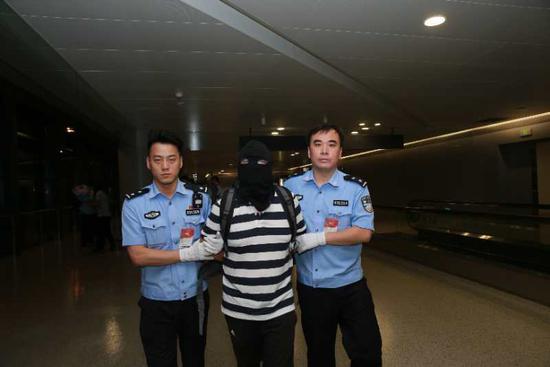掌悦理财平台实际控制人被抓 上海警方:全力追赃挽损