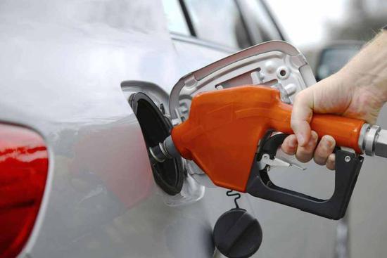 油价创年内最大降幅 加满一箱油少花18.5元