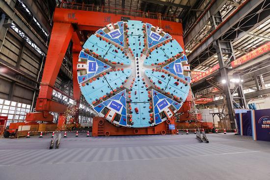 首台上海制造超大直径盾构下线 用来建上海机场联络线