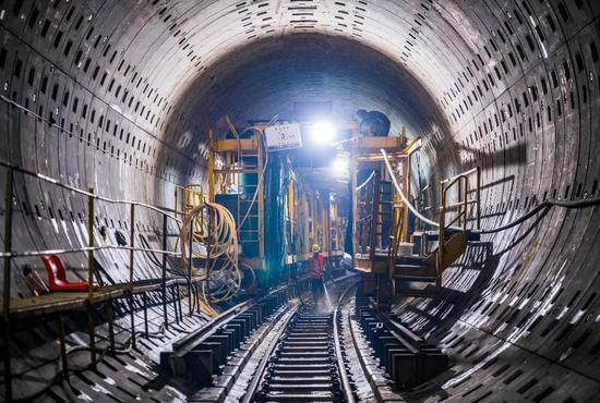 上海地铁14号线成功穿越正在运营中的7和10号线