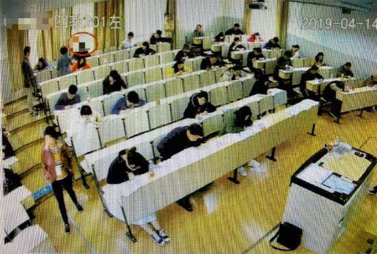 男子专升本自学考试找人代考英语 两人均被提起公诉