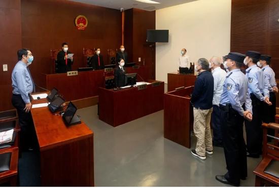 庭审现场 上海市第一中级人民法院 图