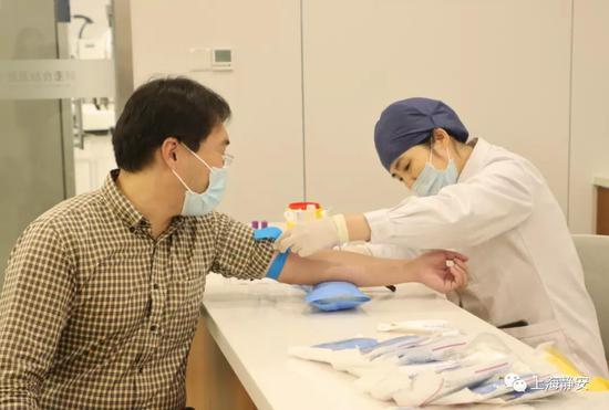 《【杏耀登陆注册】造血干细胞捐献志愿者血样采集入库仪式昨举办》
