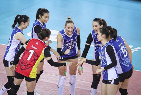女排半决赛12日开打 上海江苏争锋或将迎来三场苦战