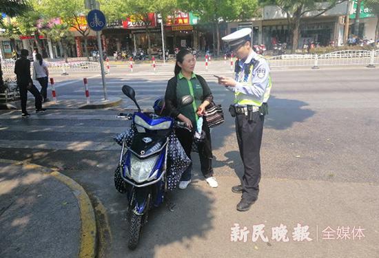 上海警方整治非机动车行人违法 紧盯四类突出交通违法