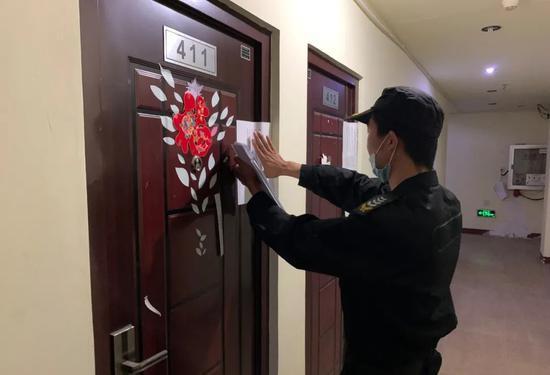 江湾镇街道专项治理规模性租赁场所 清退600余个房间