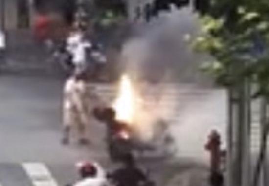 图说:电瓶车起火