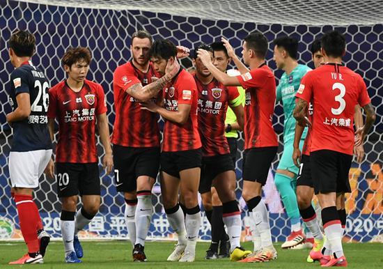 上港踢出最佳上半场 新赛季唯一不败球队已露争冠獠牙