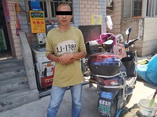男子骑电瓶车上中环 辩称:都是导航惹的祸