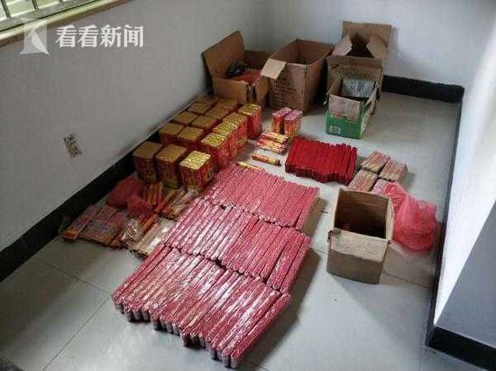 杂货铺非法存储200余件烟花爆竹 警方依法查处