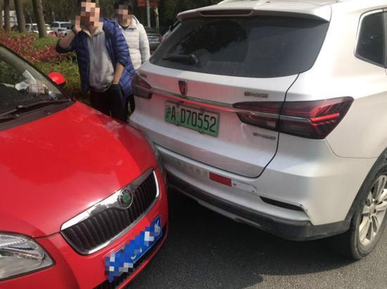 共享汽车EVCARD车内未放行驶证 客服:怕被拿走