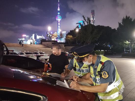 上海出租汽车行业专项整治全覆盖 打击违法违规行为
