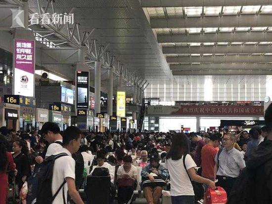 上海各火车站加开列车30趟 沪宁沪杭方向余票紧张