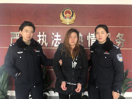 女大学生寒夜单衣报警 蟊贼列车上窃财偷衣太阴损