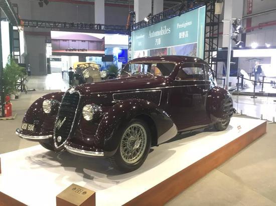 1938年的阿尔法·罗密欧,凭借其经典的阿尔法6C底盘赢得了多场比赛的胜利。