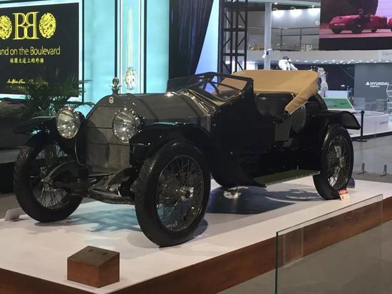 1916年的斯图兹勇士,超过百年历史,被誉为当时的终极跑车。