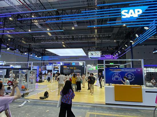 工博会SAP展台 本文图均为澎湃新闻记者 俞凯 图
