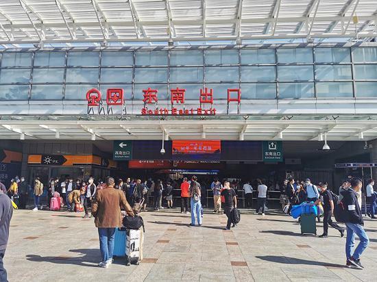 图说:铁路迎来国庆返程客流高峰 采访对象提供