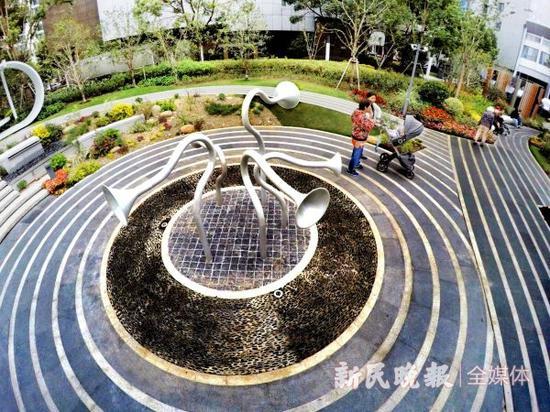 春花秋色美街头:申城建绿道千余公里 人均享绿道近半米