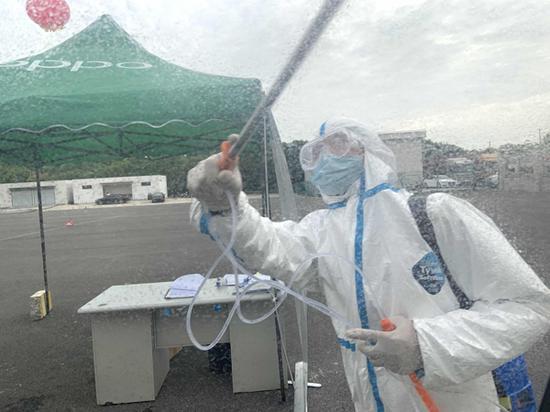 进博会进口冷链食品仓库探营 接触展品的人全核酸检测