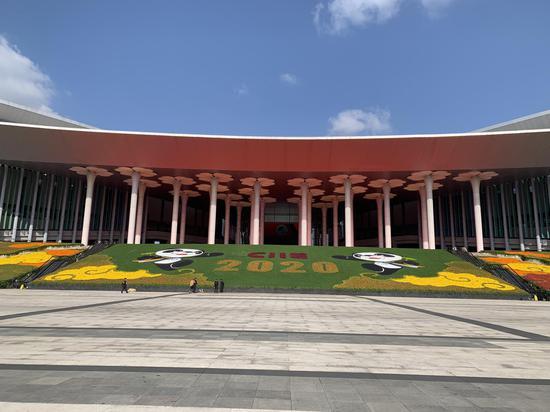 第三届中国国际进口博览会已完成场馆绿化装饰 澎湃新闻记者 栾晓娜 图