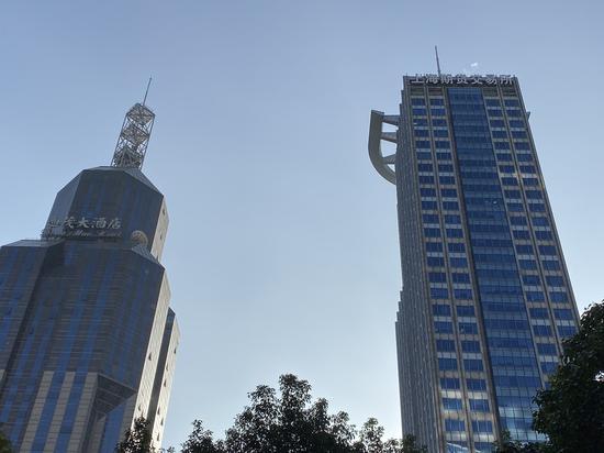 位于浦东世纪大道、浦电路口的上海期货交易所,王昊在此已工作了20年。澎湃新闻记者俞凯 摄