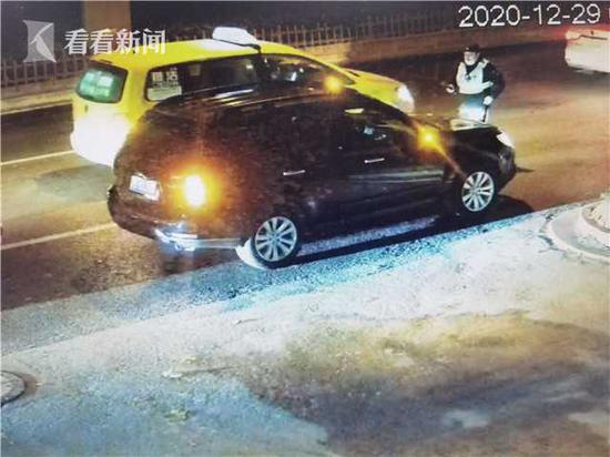 男子酒驾遇临检 让女友坐上驾驶位企图逃避处罚被查获