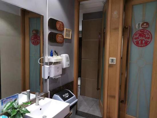 奉贤试点推出全市首个共享厕所 为户外职工开方便之门