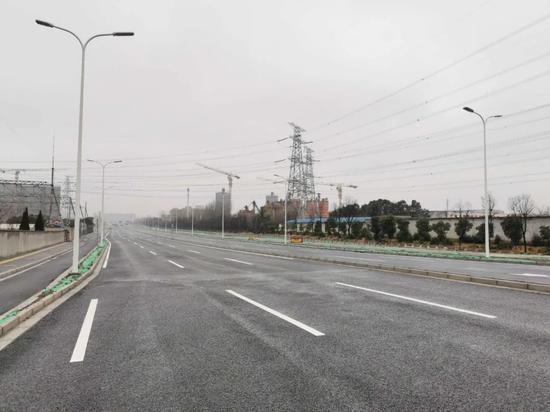 富长路(友谊西路-杨北路)段建成通车 宝山交通更方便