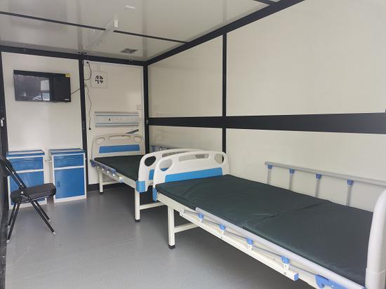 图说:方舱可同时容纳两张床位