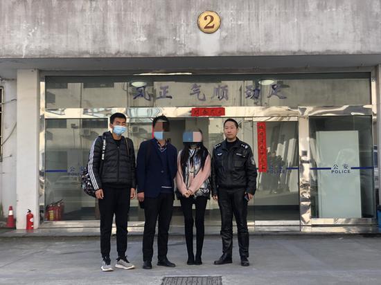 失智女子卷入窃案被松江民警发现 丈夫寻妻半年终得音讯