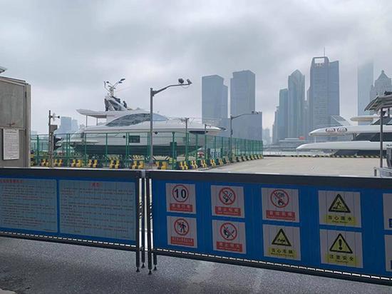 码头区域仍然封闭本文图片均为澎湃新闻记者 栾晓娜 图(除署名外)