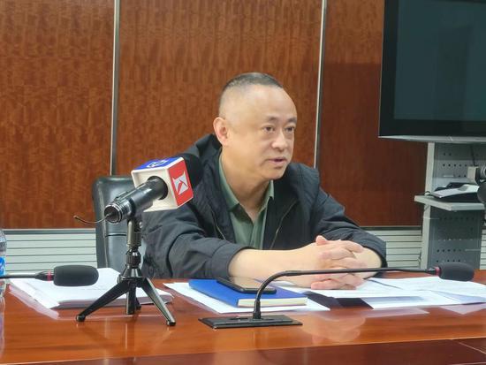 3月30日,上海市疾控中心副主任孙晓冬透露,新冠疫苗接种后留观30分钟非常重要,因为绝大部分的过敏反应都会在接种后30分钟内发生。 上海市疾控中心 供图