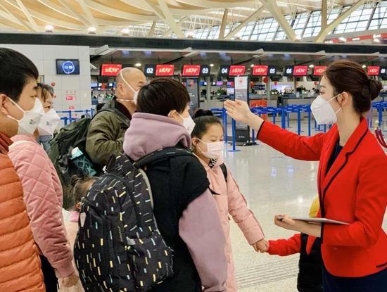 虹桥机场发现2名发热旅客 浦东机