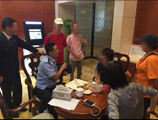 男子冒充外国将军 上海阿姨欲境外汇款陷婚恋骗局