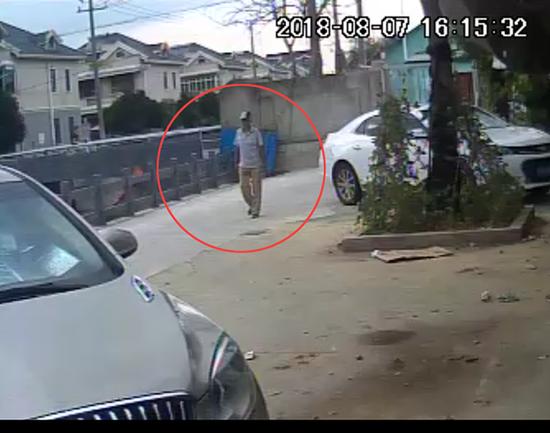 蟊贼专偷未上锁电动车 再次作案时被市民一眼认出