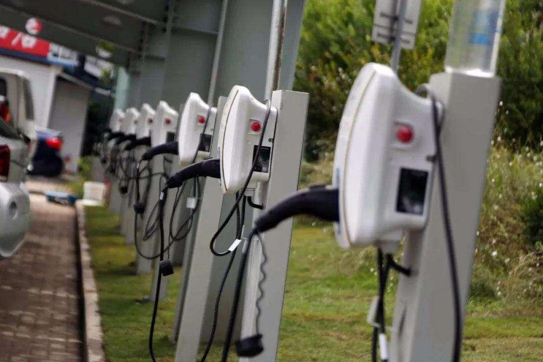 沪公司声称认购共享充电桩净赚十几倍 上当者遍布15省