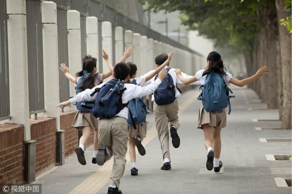 上海中小学生将陆续迎来期中考试 明年1月24日放寒假
