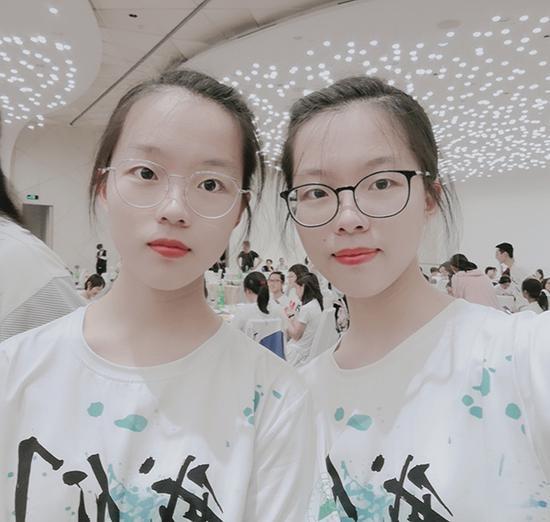 双胞胎金蒙璇(左)和金蒙璐。 受访者供图