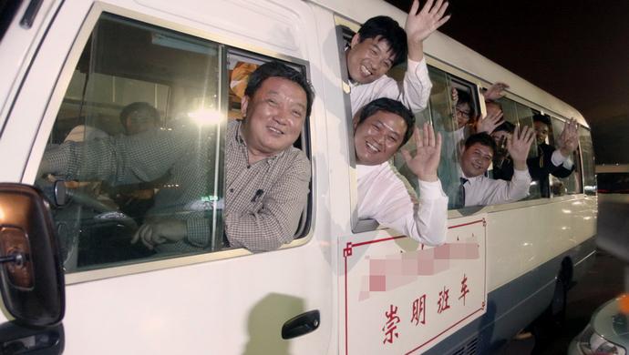 崇明的哥回家难:凌晨没有公交 坐黑车回家隐患重重