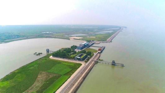 上海青浦青草沙水库。