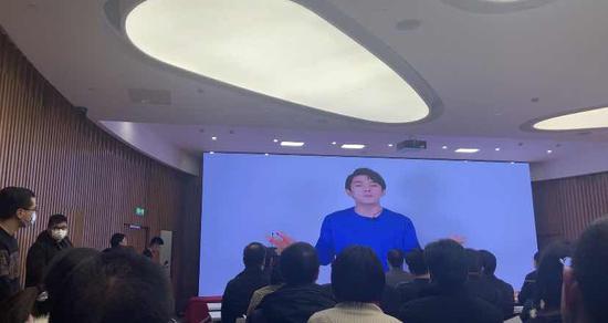 李佳琦本人通过视频表达对上海智慧岛数据产业园的祝福 本文图片均为 澎湃新闻记者 邓玲玮 图